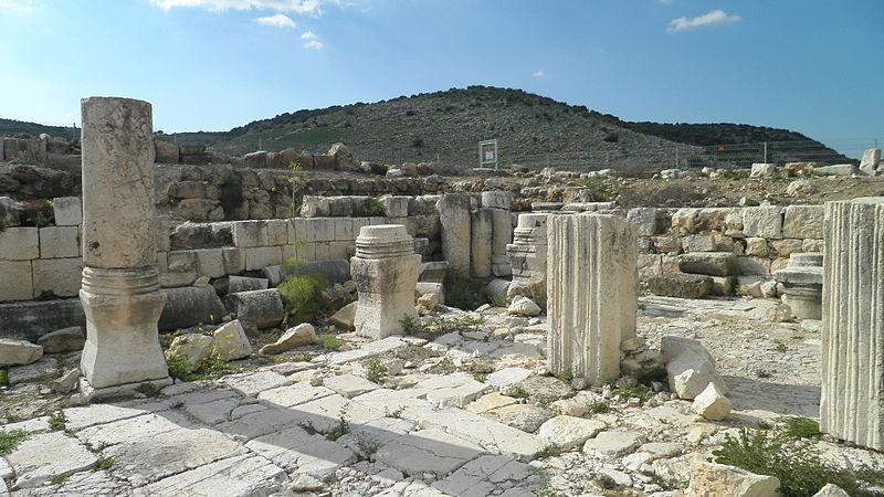 בית כנסת עתיק מרות