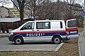 Polizei VW-Bus 02.jpg