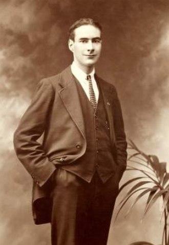 Piaras Béaslaí - Image: Portrait of Piaras Béaslaí 1919