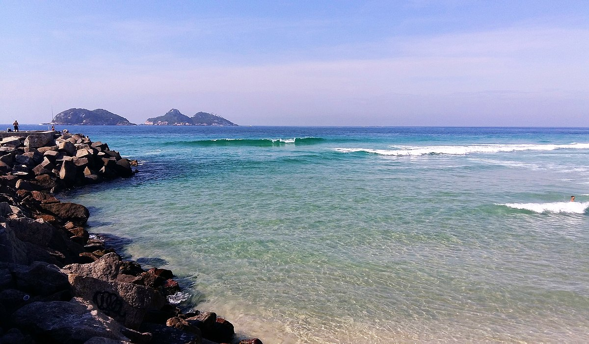Praia da Barra da Tijuca - Rio de Janeiro.jpg
