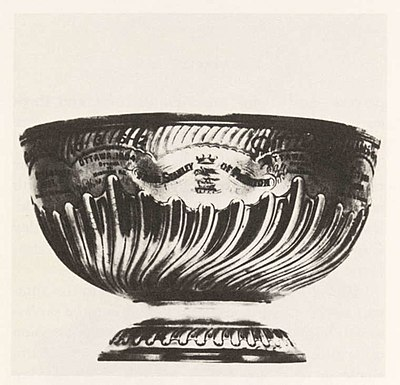 La première Coupe donnée par Sir Frederick Arthur Stanley, en 1893. - Ligue nationale de hockey