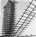 Prins Bernhard bezocht in aanbouw zijnd stadproject te Delft, Bestanddeelnr 918-2146.jpg