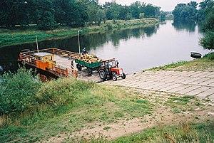 Prom na Warcie w m. Czeszewo. Ferry in Czeszewo (Poland - Warta river) (2).JPG