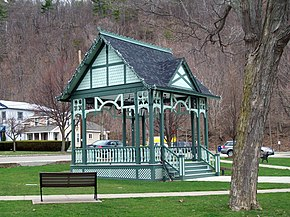 Pulteney Square Bandstand Apr 11.JPG