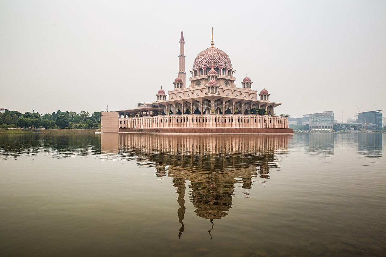 putra mosque: Top Destinations for a Day Trip from Kuala Lumpur for Couples