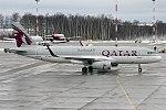 Qatar Airways, A7-AHR, Airbus A320-232 (25567367118).jpg