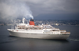 Sagafjord - Image: RMS Sagafjord in the harbor Vancouver 1992