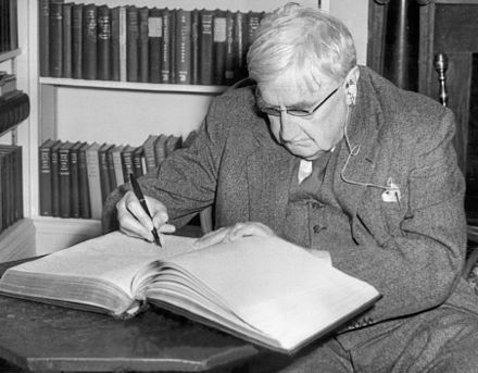 Ralph Vaughan Williams (1872-1958), a British composer who helped to popularise many medieval and folk carols for the modern age Ralph Vaughan Williams, 1954.jpg