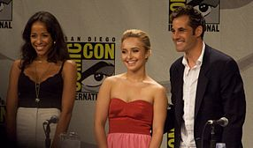 Dania Ramirez, Hayden Panettiere, and Adrian Pasdar (Maya, Claire, and Nathan respectively) at the Heroes panel, comic-con 2008.