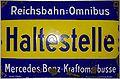 Reichsbahn=Omnibus Haltestelle um 1924 (Emaille-Schild).jpg
