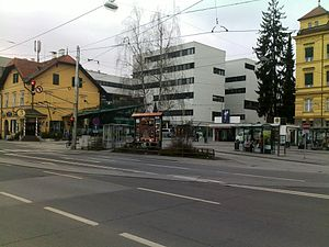 Riesplatz (2009) with LKH Graz and old toll house (left)