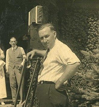 Robert Kurrle - Kurrle on the set in December 1916