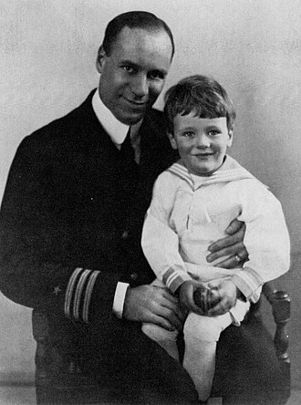Robert Lowell - Lowell as a child with his father, Commander Robert Traill Spence Lowell III, around 1920