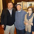 Roberto Ampuero junto a su padre y madre.JPG