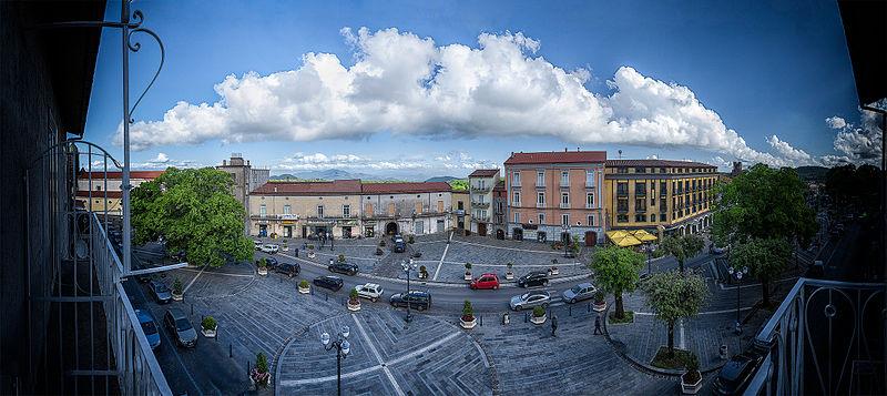 File:Roccamonfina - Piazza Nicola Amore.jpg