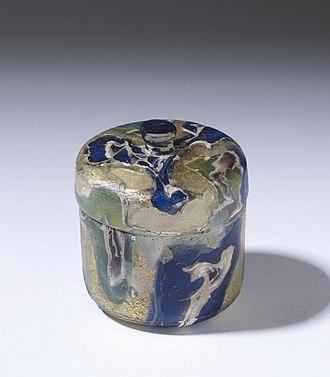 Pyxis (vessel) - Image: Roman Pyxis Walters 4776 View B