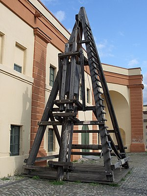 Pile driver - Roman pile driver (replica) used at the construction of Caesar's Rhine bridges (55 BC)