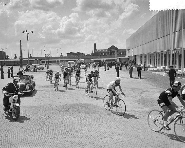File:Ronde van Nederland in Utrecht begonnen, Bestanddeelnr 912-4832.jpg