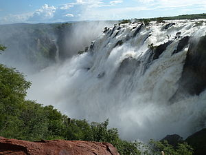 Ruacana Falls at High Water from close distance in 03-2011. Author Tom Jakobi.JPG