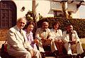 Ruizanglada 1978 en Biarritz - En los jardines del Consulado Español con el Consul Sr Baselga y el pianista Don Eduardo del Pueyo.jpg