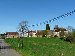 Saint-Avit-de-Vialard village.JPG
