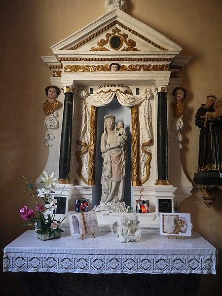 L'autel de la Vierge.