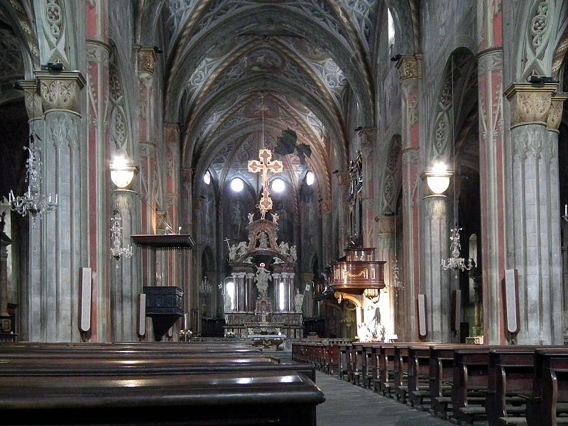 File saluzzo cattedrale di maria vergine assunta 003 jpg for Interno 2 saluzzo capodanno