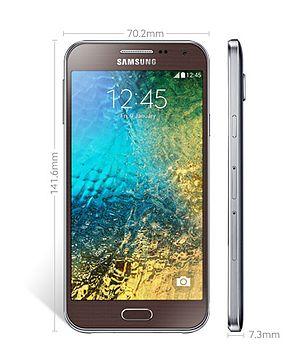 Samsung Galaxy E5 - Image: Samsung GALAXY E500 (1)