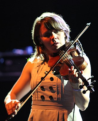 Sarah Neufeld - Neufeld performing with Belle Orchestre