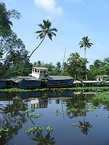 Scenes fom Vembanad lake en route Alappuzha Kottayam21.jpg
