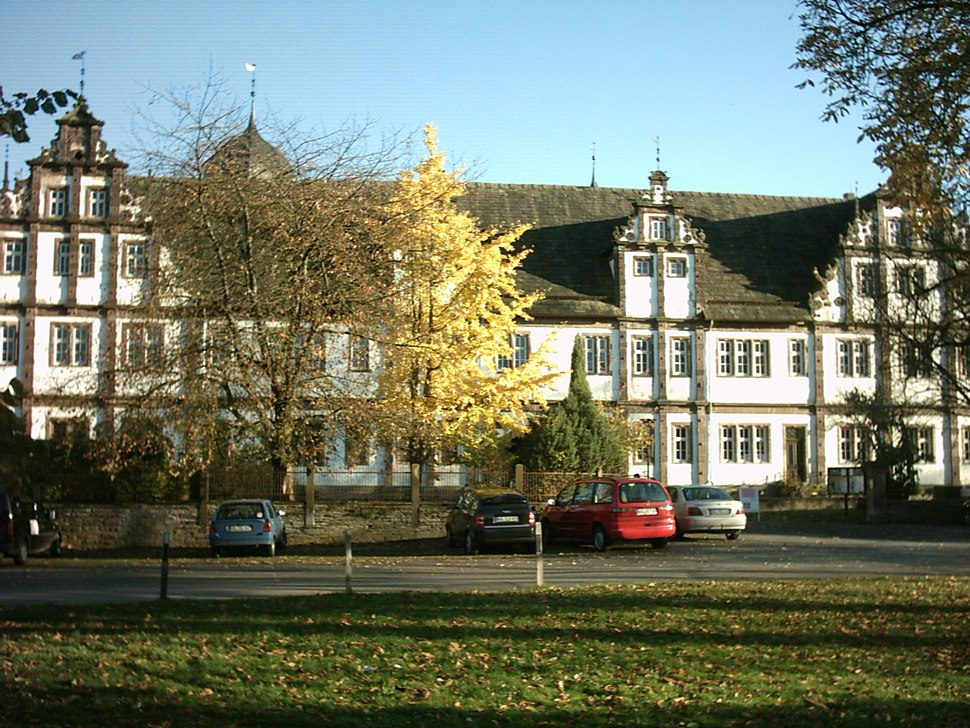 Schloss Bevern.jpg