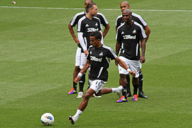 Scott Sinclair Swansea City warm up vs Arsenal 2011.jpg