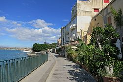 Seafront near the fountain Aretusa, Ortigia, Syracuse, 12M2149.jpg
