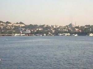 File:Seaplane landing, Haliç, İstanbul - May 2013.webm