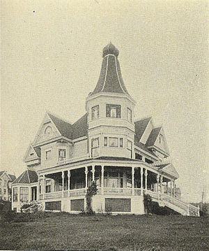 Queen Anne, Seattle - George Kinnear's home at 809 Queen Anne Avenue N., 1900. Kinnear developed much of Queen Anne, and donated the land for Kinnear Park.