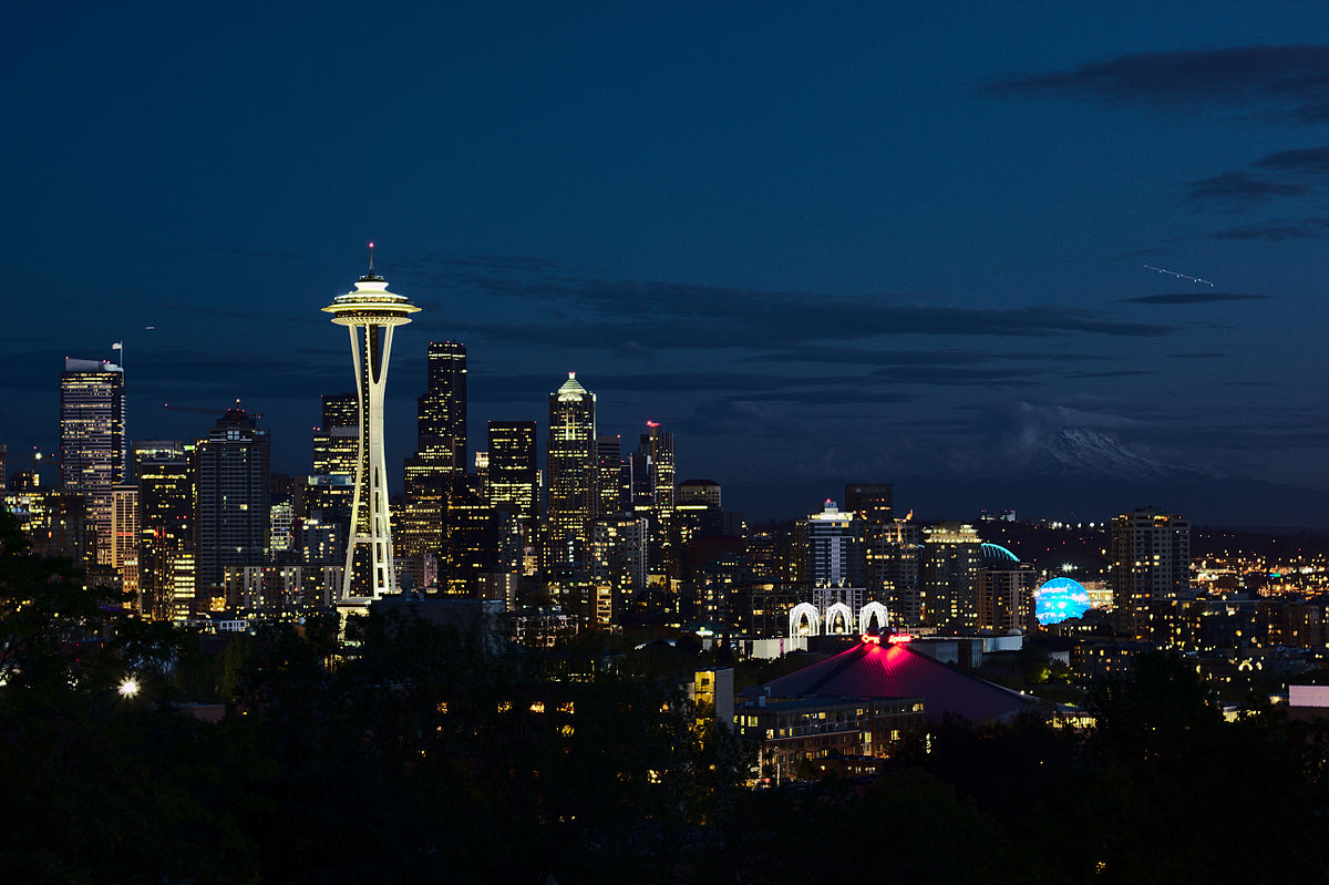 Seattle skyline from Kerry Park, evening of 2014-10-19 no. 07.jpg