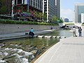 Seoul-Cheonggyecheon-04.jpg