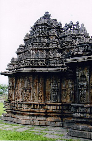 Sukanasa - Image: Shrine Wall Sculpture at Bucesvara Temple at Koravangala