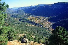 View from the Puerto de las Palomas into the Guadalquivir valley and the village Arroyo Frio