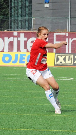 Sif Atladóttir - Sif playing for Kristianstads in 2013