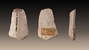 Louis Lartet - Double edged Scraper on blade from Cro-Magnon - Collection Louis Lartet - Muséum de Toulouse