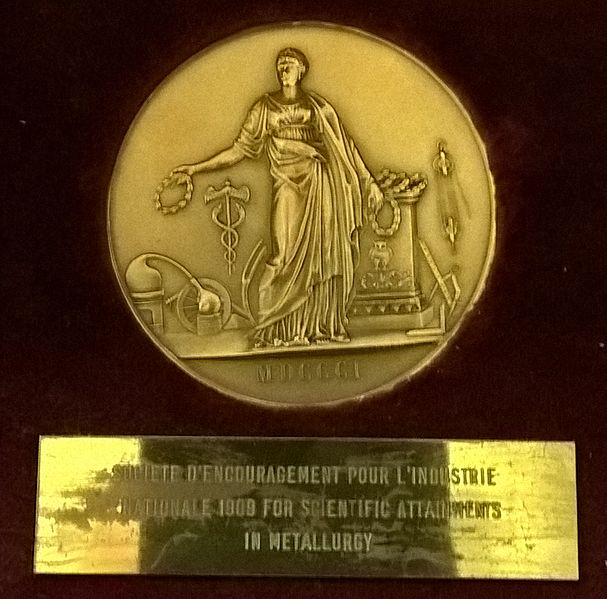 File:Société d'encouragement pour l'industrie nationale medal 1809 and label.jpg