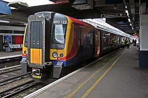 South West Trains 450122 at Southampton Central.jpg