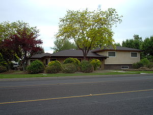 Ranch-style house - 1970s raised ranch
