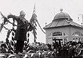 Statsminister Carl Theodor Zahle taler ved Bjørnsons båre i København, mai 1910. (4534647648).jpg