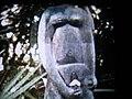 Statue-en-couleurs sur-tombeau-VÉZO disparue à l'lindépendance.jpg