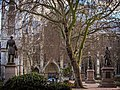 Statues by Westminster Abbey (8593286952).jpg