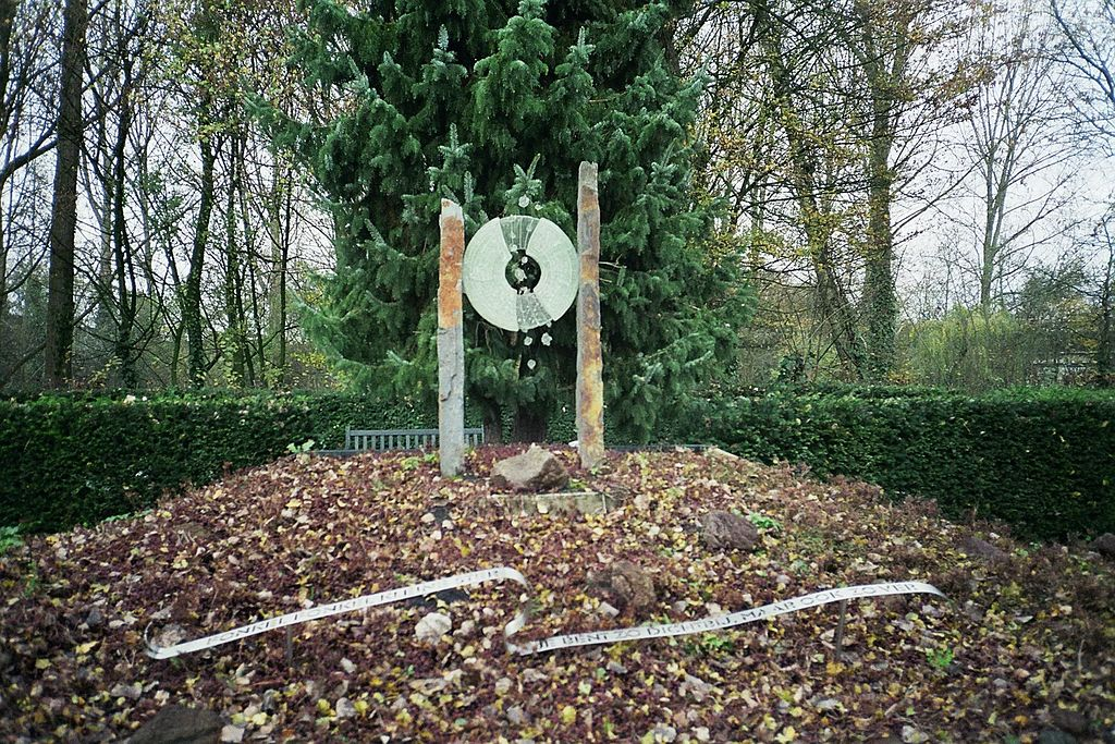 Stèle funéraire du cimetière de Zorgvlied à Amsterdam - Photo de Marion Golsteijn