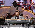 Stevie Wonder and Nathan Watts (2006).jpg