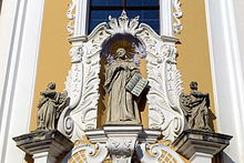 Bernhard von Clairvaux (Fassade der Stiftskirche Rein bei Graz) (Quelle: Wikimedia)